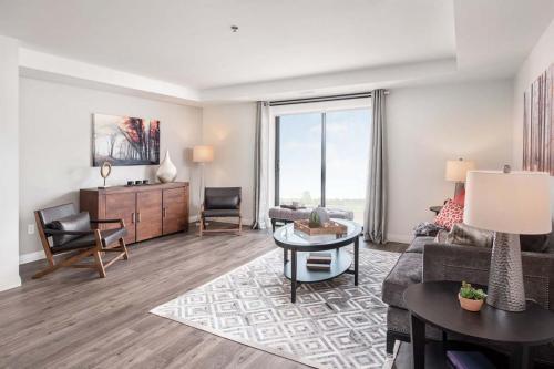 A Suite 111 -002
