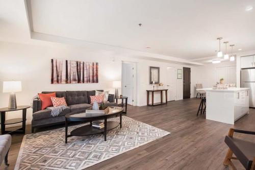 A Suite 111 -010