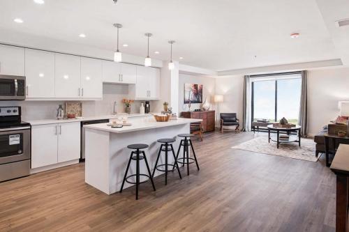 A Suite 111 -001