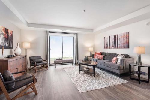 A Suite 111 -005